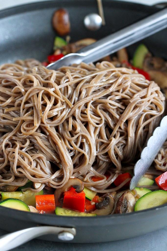 Healthy Soba Noodle Recipe with Mushrooms & Zucchini {Vegan} | cookincanuck.com #vegan #vegetarian #MeatlessMonday