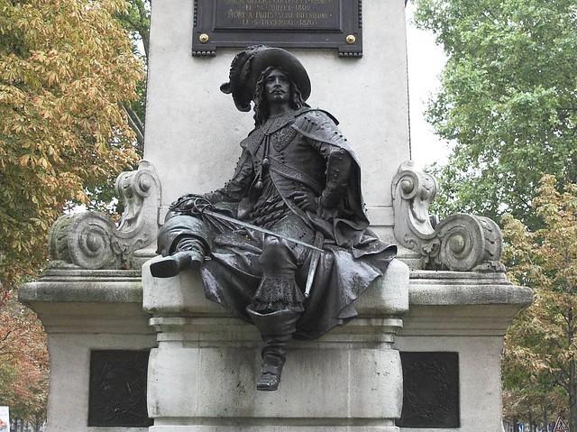 Statue_d'Artagnan_Paris.