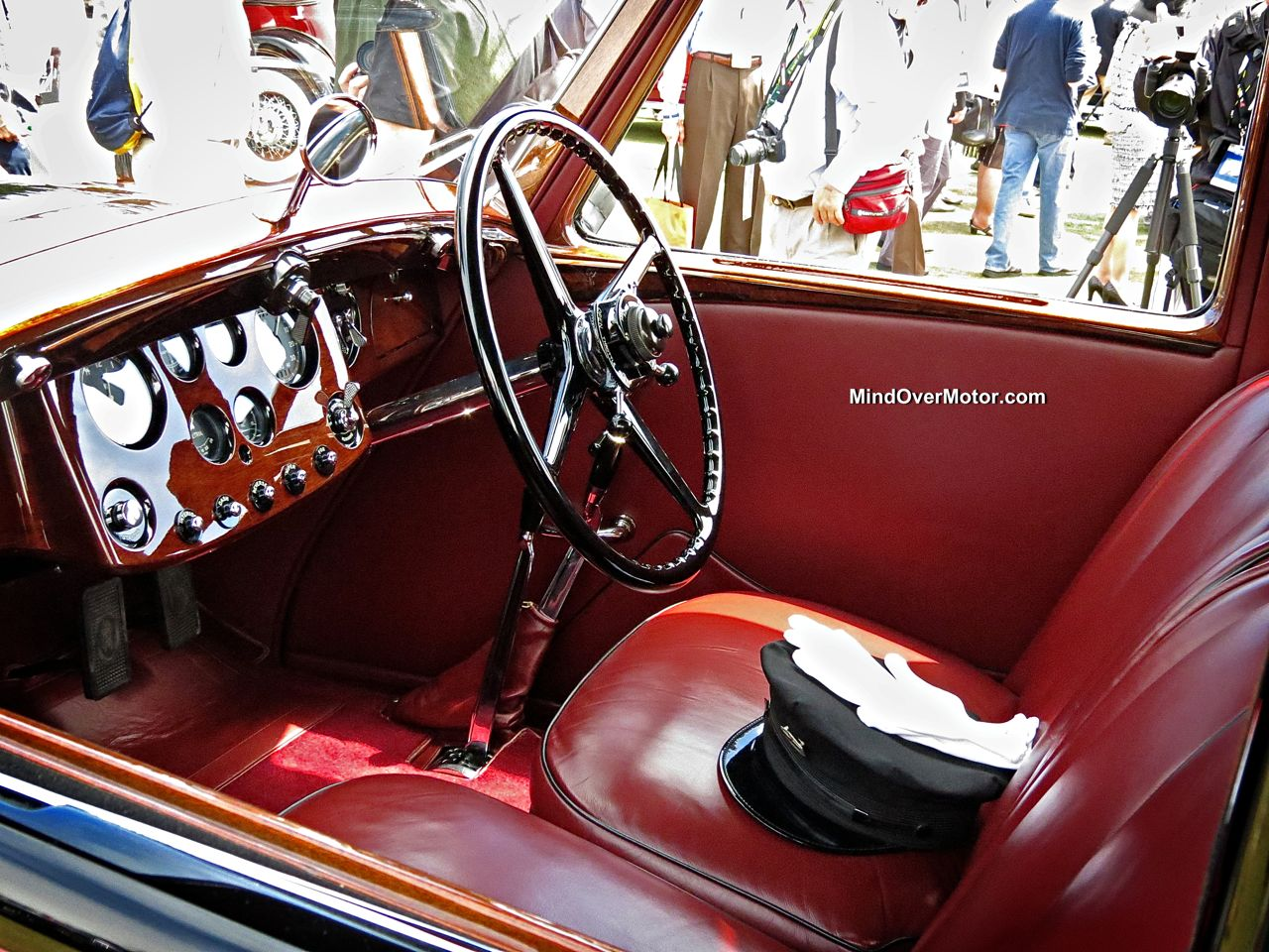 Rolls Royce Phantom II Streamline Saloon Interior