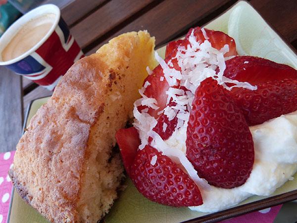 gâteau coco et fraises