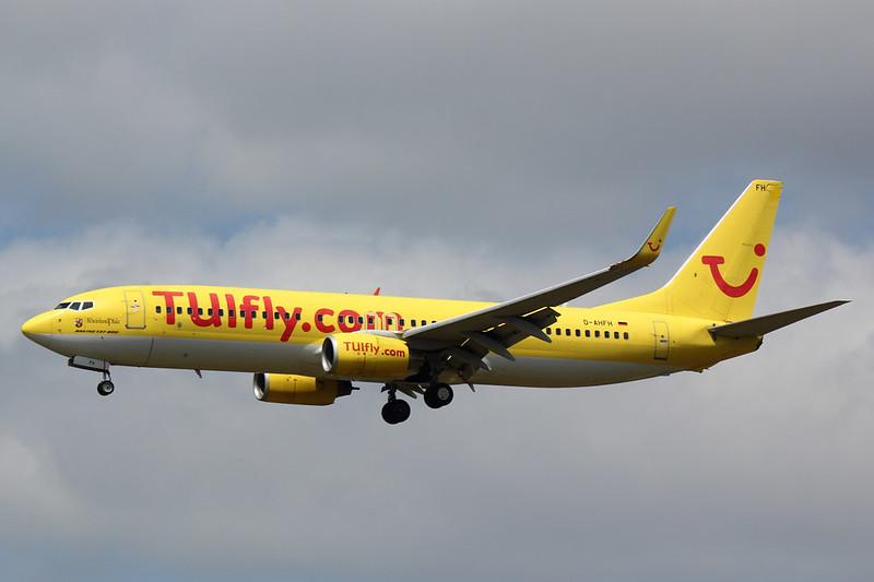 TUIfly - B738 - D-AHFH (1)