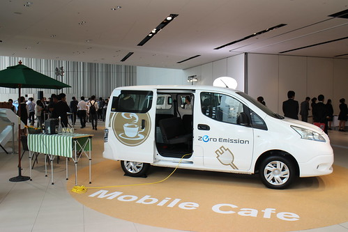 『e-NV200』を例えば移動カフェで使ったら