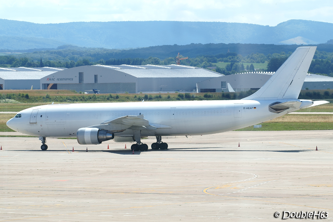 EuroAirport [BSL-LFSB] by DoubleH63 14502690379_4f0dab8e0e_o
