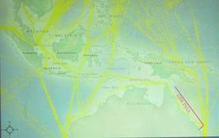 黃色為貨輪航跡