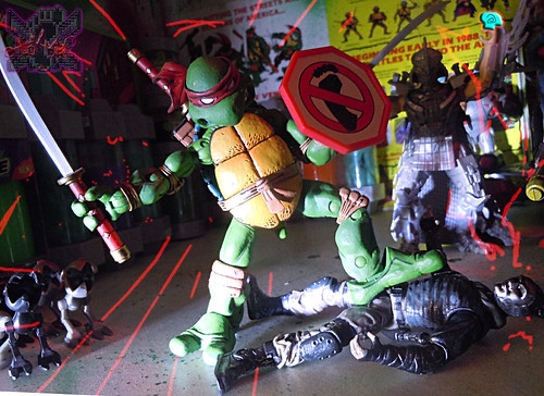 """NINJA TURTLES"" Movie :: FOOT SOLDIER  { tOKKustom PARAMILITARY wash } xxi // .. vs. NECA TMNT Leonardo '08  (( 2014 ))"