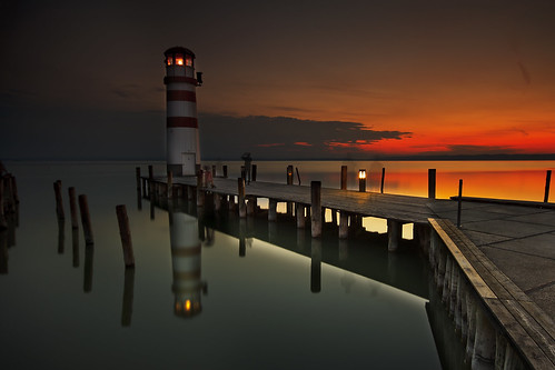 lighthouse lake see sonnenuntergang jetty beacon podersdorf leutchtturm