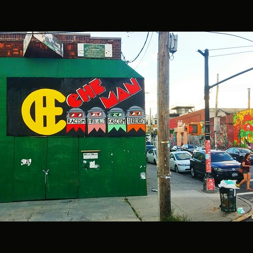 Che-Man in @thebushwickcollective in Brooklyn! #CheMan #Vivache #VivaCheMan. Great to meet Joe! #Painting #StreetArt