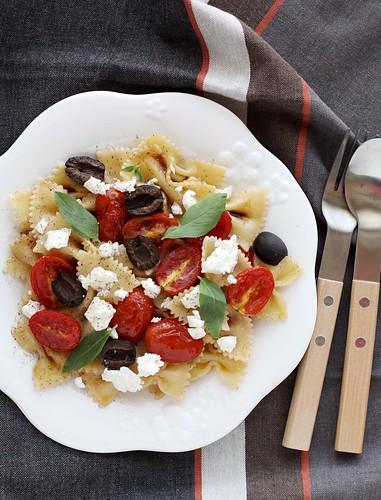 Roasted tomatoes, feta cheese and balsamic farfalle pasta salad