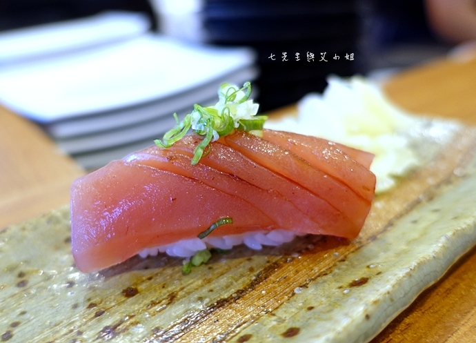 10 Haoすし生魚片冷丼握壽司專賣
