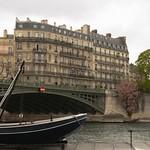 Putain de bateau sur la Seine