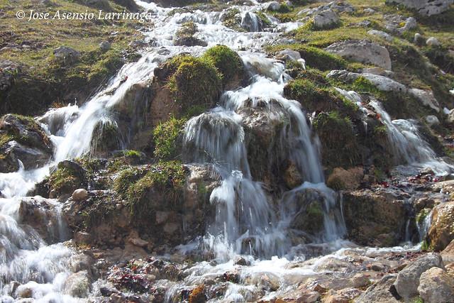 Sierra de Entzia por La Tobería - El reino de las Tobas #DePaseoConLarri #Flickr 7117