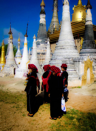 Inle Lake: Stupas and Hilltribe Women