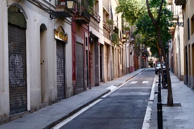 Petite rue tranquille de Gracia à Barcelone