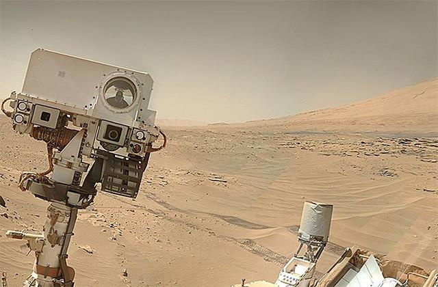 Curiosity 'Selfie'