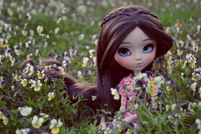 esmé and flowers