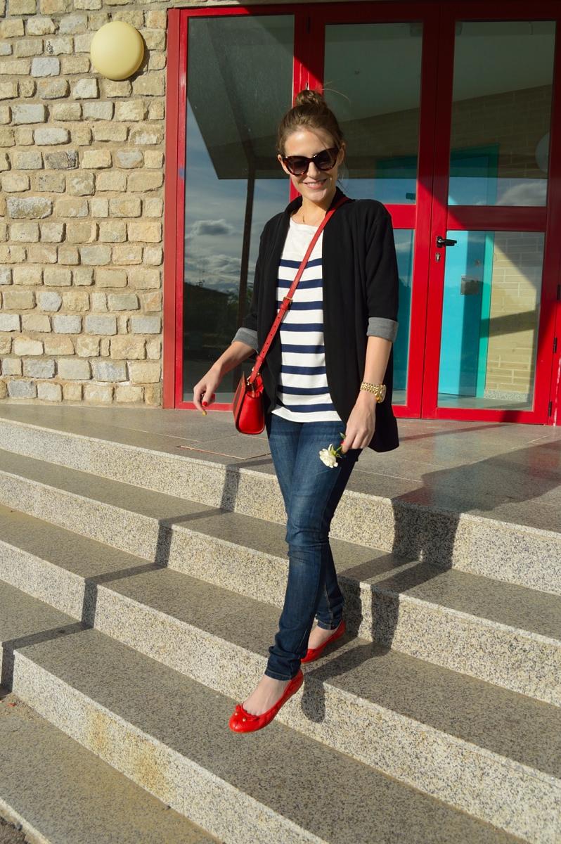 lara-vazque-madlula-fashion-blog-stripes-blue-details-red