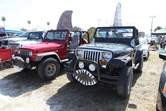 compact sport utility vehicle(0.0), off road racing(0.0), jeep cj(0.0), automobile(1.0), automotive exterior(1.0), vehicle(1.0), off-roading(1.0), jeep wrangler(1.0), off-road vehicle(1.0), bumper(1.0), land vehicle(1.0), motor vehicle(1.0),