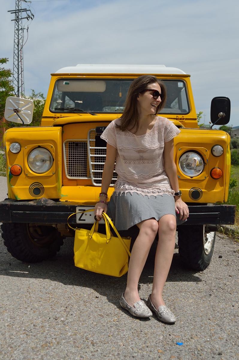 lara-vazquez-madlula-blog-style-streetstyle-look-yellow