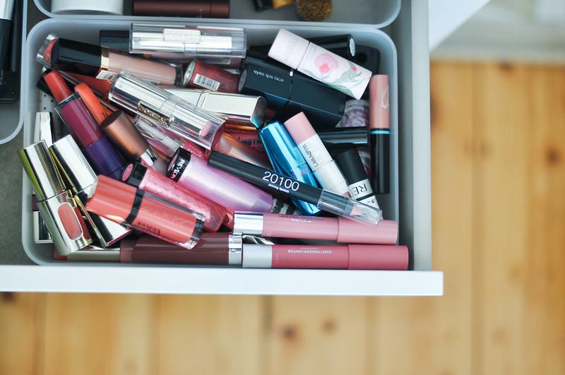 minimizing the stash lip products rottenotter rotten otter blog 1