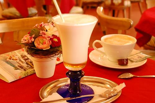 Milch heiß heiße Honig Honigmilch Eis eisig Eisheilige Biene Bienen Brigitte Stolle Imkerin Imkerei imkern