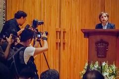 Carmen Aristegui recibe el galardón 'Corazón de León' ⑭