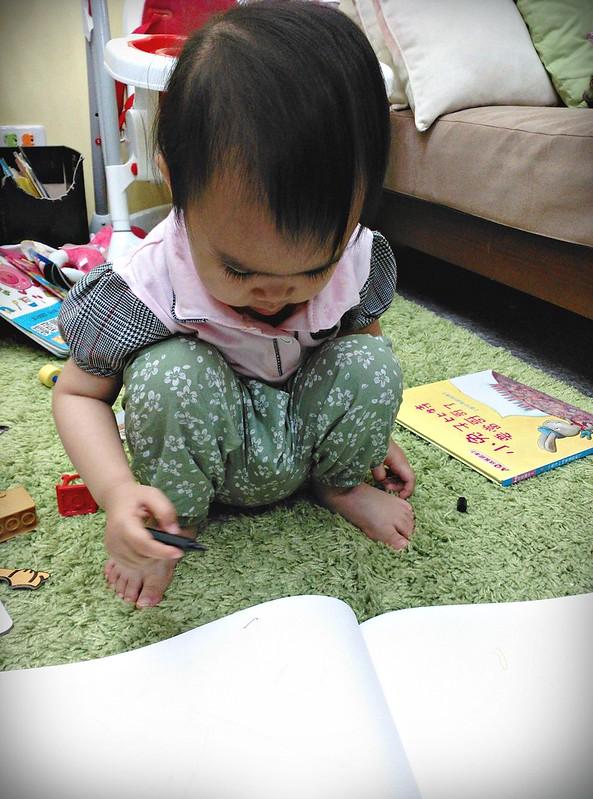 26幼兒蠟筆MUJI色筆