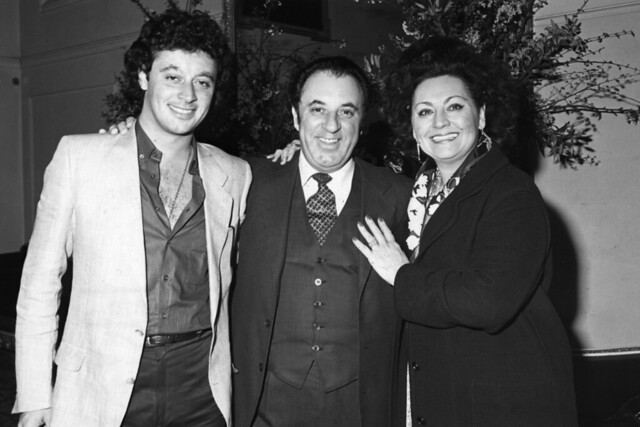 Carlo Bergonzi with his wife and son at the Royal Opera House