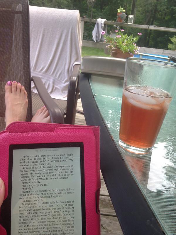 Iced tea and Kindle