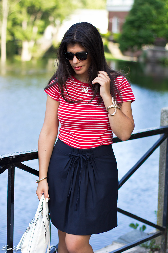striped top, navy skirt, white bag-6.jpg