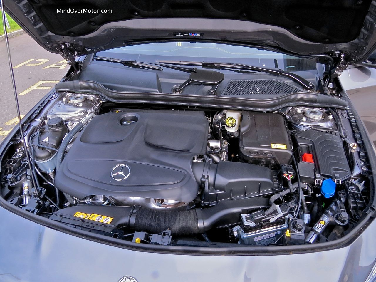 Mercedes-Benz CLA250 Engine