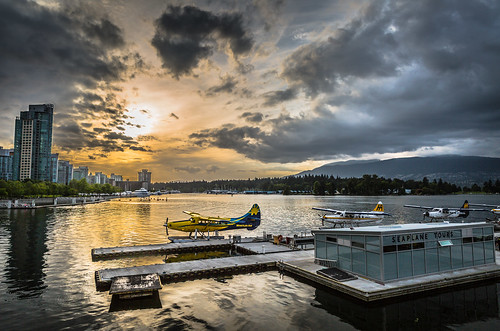 sunset sky canada vancouver cloudy harbour britishcolumbia seaplane vancouversky
