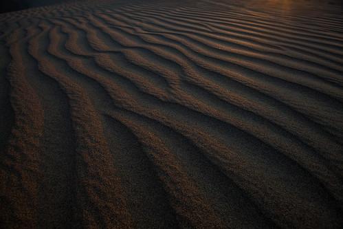 sunset shadow peru southamerica sunrise photographer desert sandboarding oasis ica huacachina dunebuggy thomasobrien snaddune tmophoto