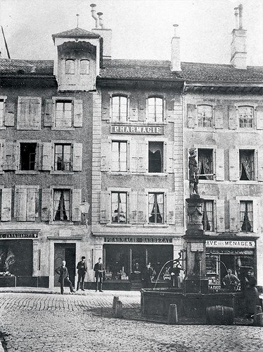 Vevey's Pharmacie centrale, seen here in 1900, where Henri Nestlé worked between 1839 and 1843