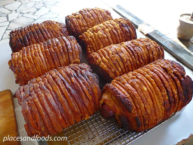 yut kee roast pork rolls