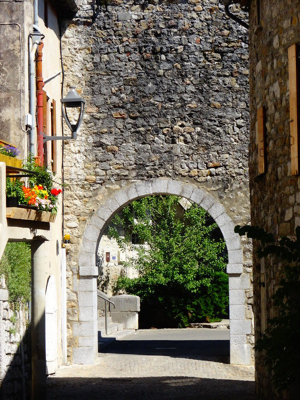 Old Portal, Ruoms