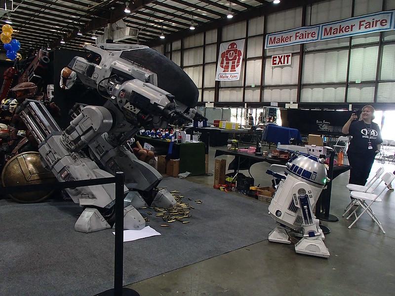 ED209 vs R2D2