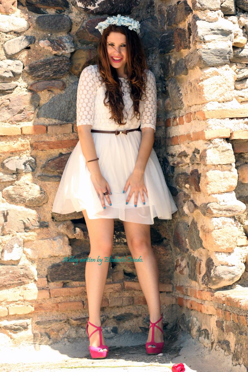 vestido-blanco-encajes-diadema-de-flores-tacones-rosas-MARYPAZ-Heelsandroses-(6)