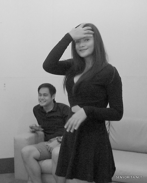 Supposedly a stolen shot, but I loved the outcome :P That's the supportive husband of Yasmien named Rey at the back