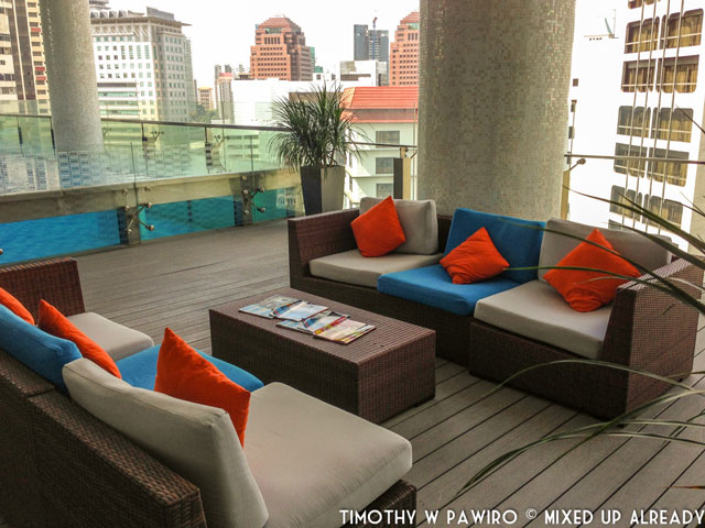 Asia - Singapore - Quincy Hotel - The swimming pool [12th floor] (2)