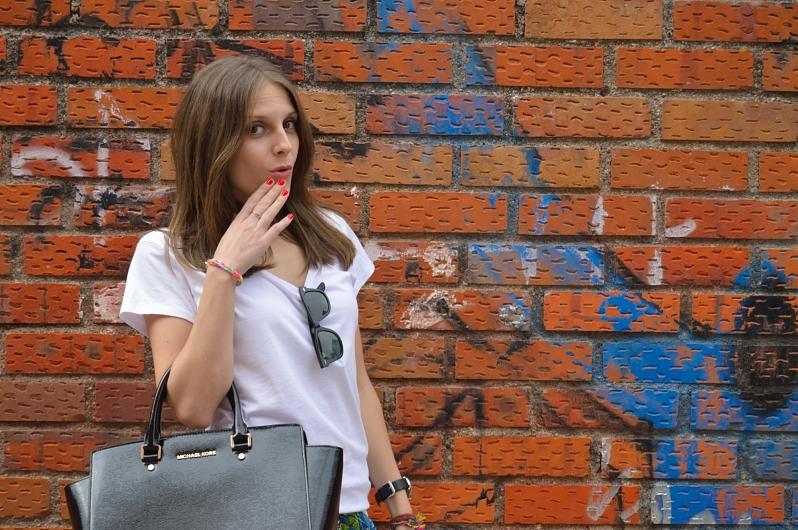 lara-vazquez-madlula-blog-ups-white-tee