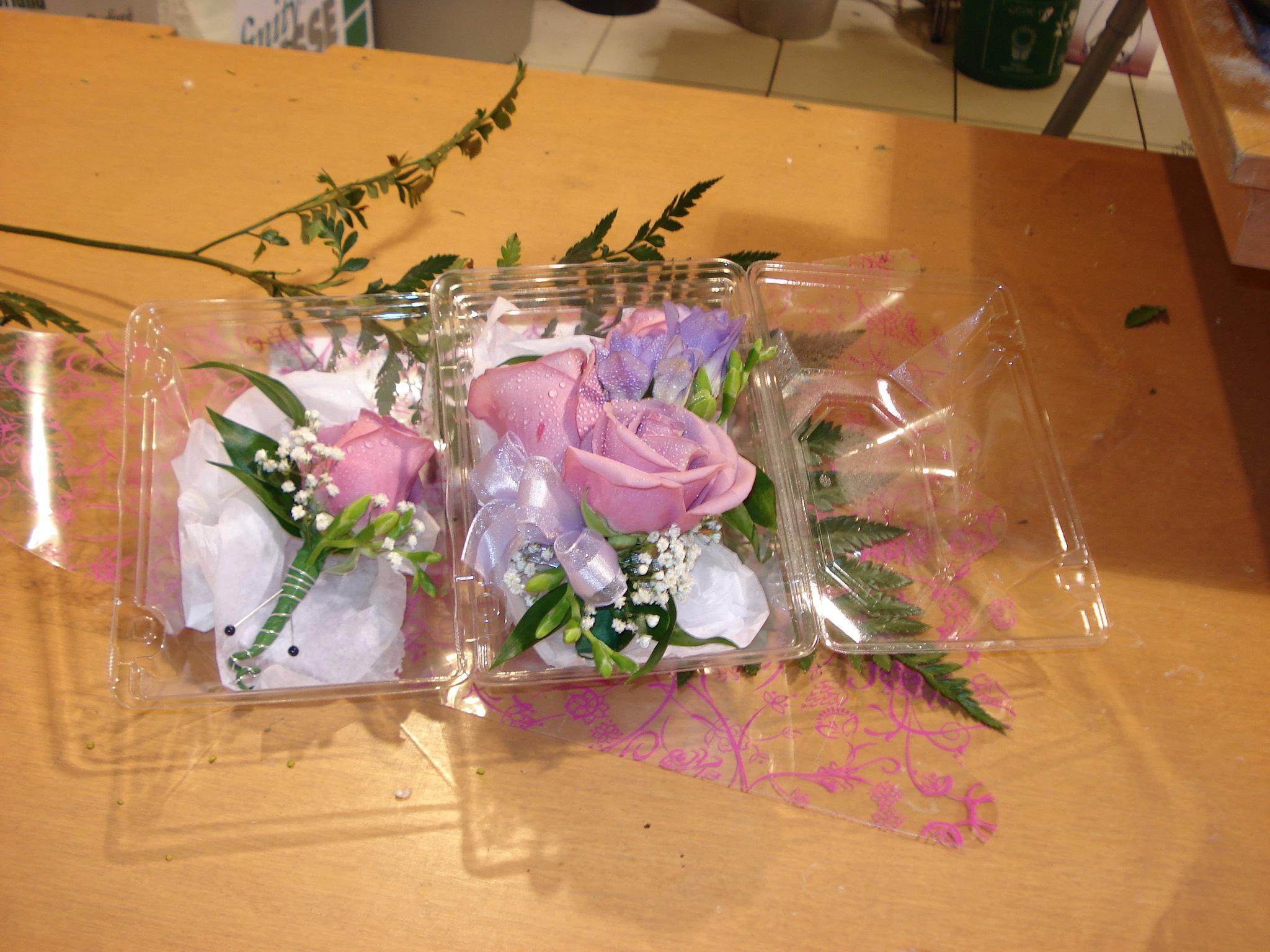 Farah Florist W-CB-10.     $20