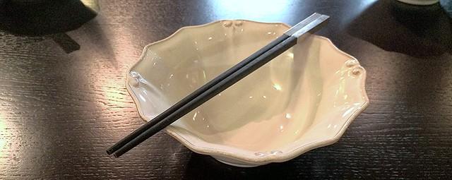 палочки для еды в ресторане Китайская Грамота