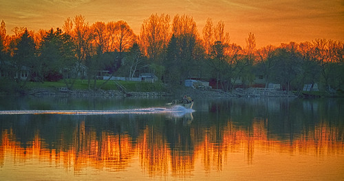 sunset lake color alexandria minnesota reflections boat wake power lakeagnes