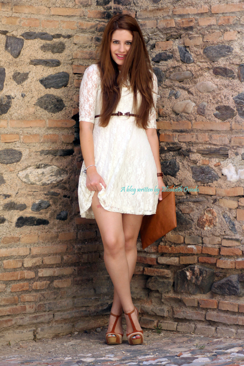vestido-encajes-blanco-primavera-verano-clutch-pull-and-bear-HEELSANDROSES-(6)