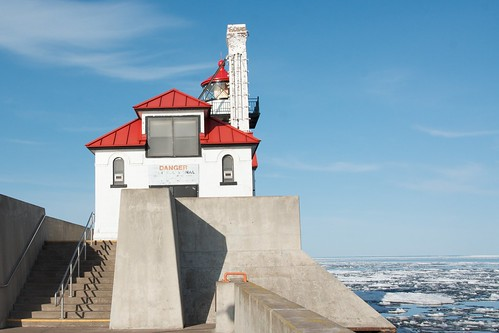 Duluth South Pier Breakwater Light