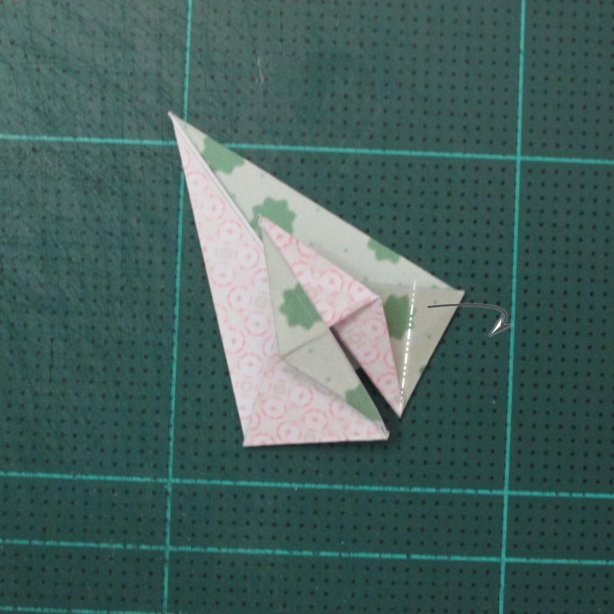 การพับกระดาษเป็นสัญลักษณ์ดาวแปดแฉกคู่ (Double Eight-Pointed Stars Origami) 008