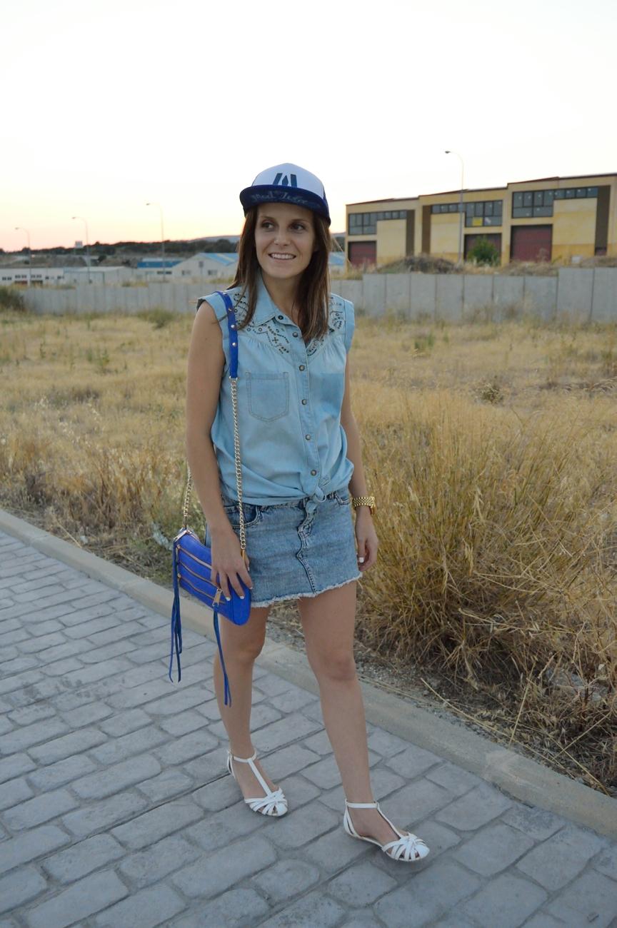 lara-vazquez-mad-lula-fashion-style-cap-blue-denim