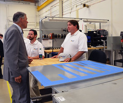 Governor Inslee toured UniEnergy Technologies and met with staff