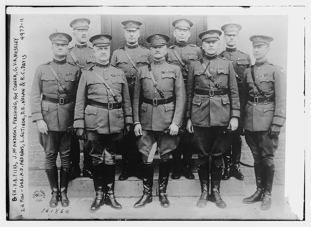 Gen. H.B. Fiske, J. McAndrews, Pershing, Fox Conner, G.V.N. Moseley, 2nd row Gen. A.D. Andrews, L. Eltinge, D.E. Nolan & R.C. Davis (LOC)