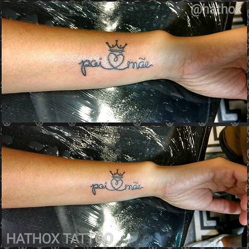 Tattoo homenagem aos pais...💜🎨  Obrigado a todos que acompanha meu trabalho... 👊💉💀   HATHOX TATTOO Agende sua Tattoo pelo  Whatsapp: 11 99137-1886  #letterstattoo #dad #mom #truelove #loveletter #tattoo #hathox #tattoo